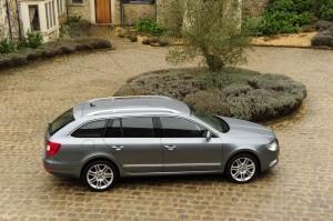 Skoda Superb voted Best Large Car